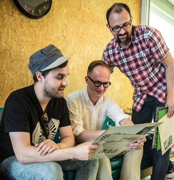 Lauantaijatsien toimittajat Eero Löyttyjärvi, Heikki Hirsimäki ja Pierre Ringwald. Kuva: Juho Luukkainen